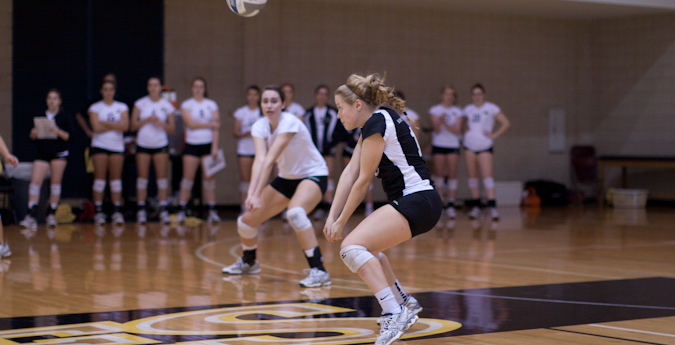 Volleyball sweeps through day two of SCAC Cross