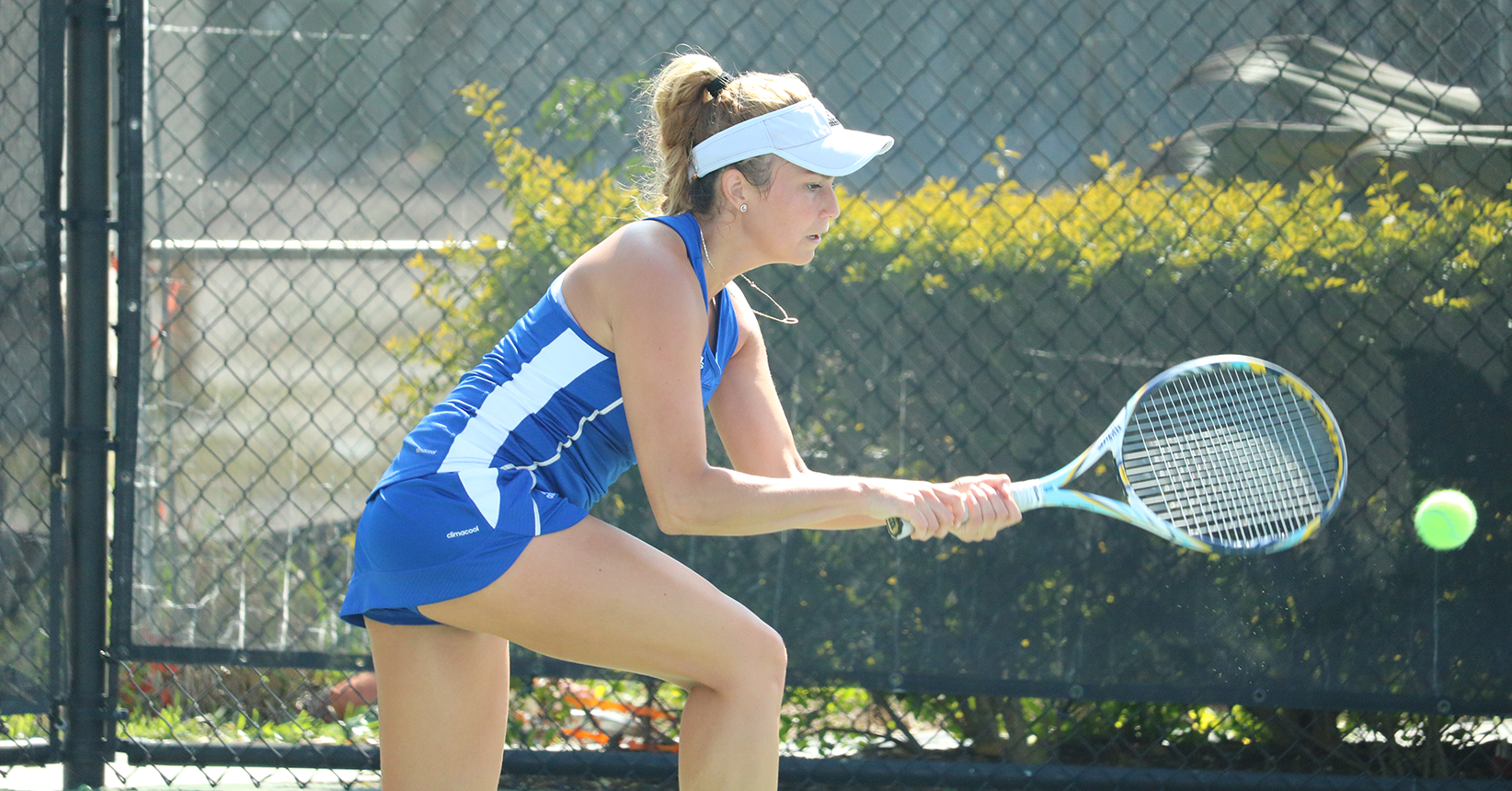 No. 3 Women's Tennis Scares Away the Panthers in 9-0 Sweep