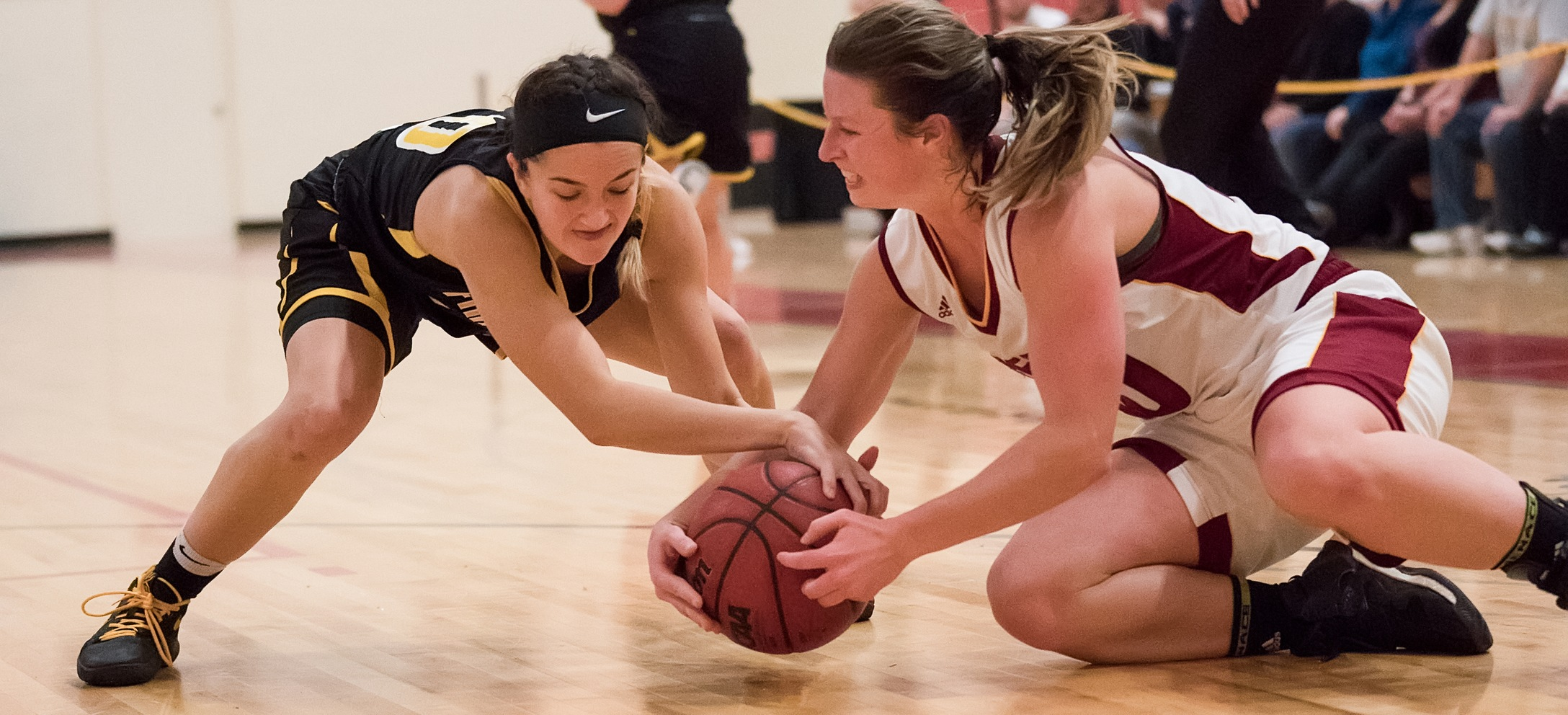 Women's Basketball Edged In Overtime At Southern Maine