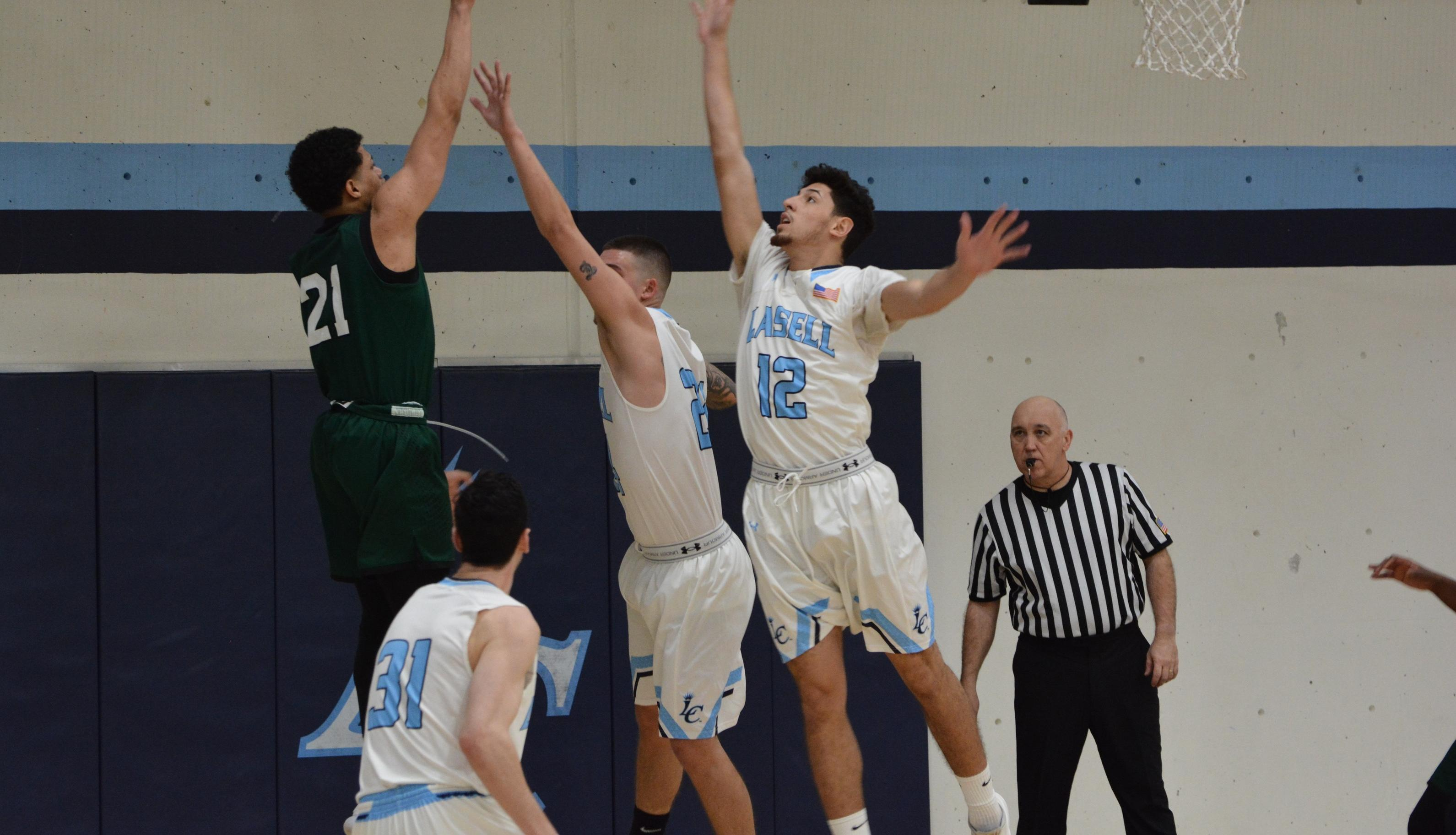 Lasell Men's Basketball drops GNAC game at Albertus Magnus