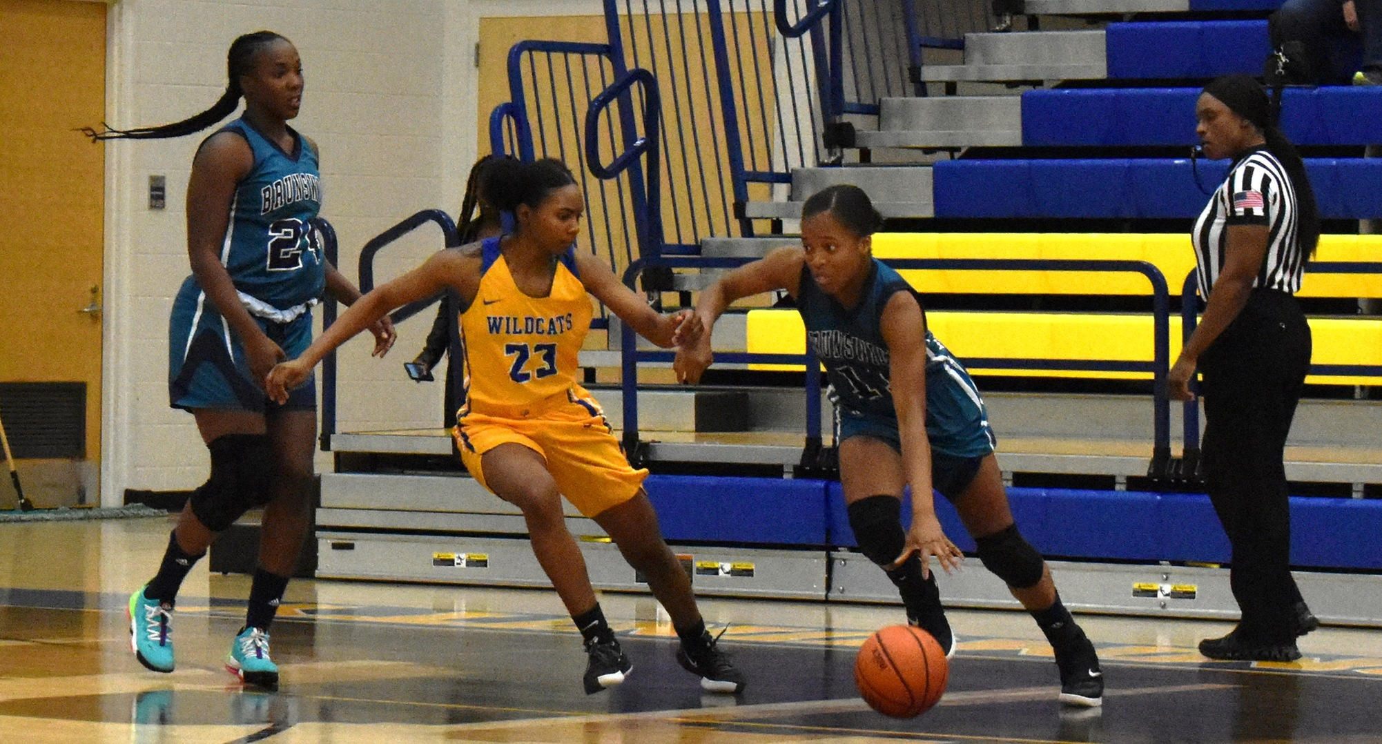 Women's Basketball Plays Top Competition On New York Road Trip