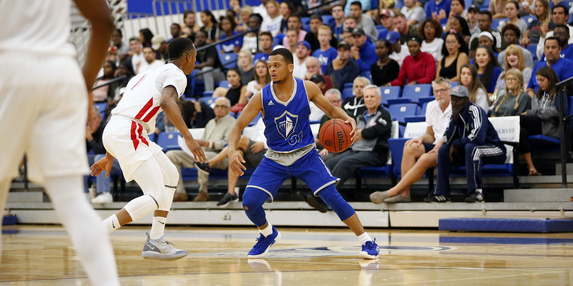Men's Basketball Fights off Falcons in Second Half