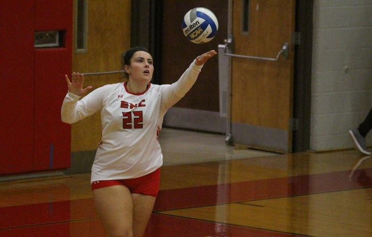 Women's Volleyball Falls to Rivier 3-0