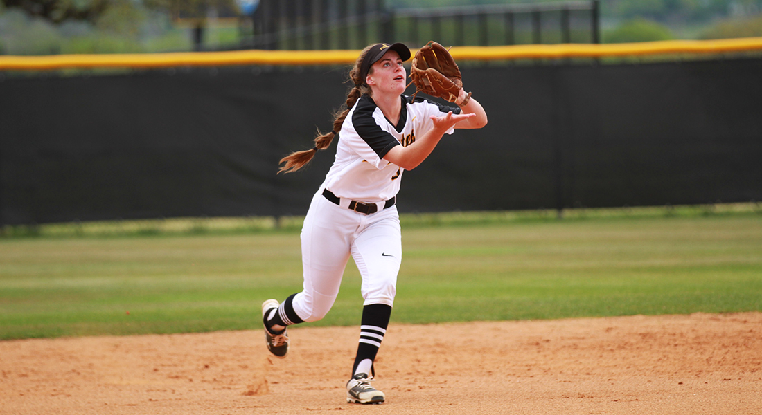 Softball Shuts Down​ Centenary in Friday's Doubleheader