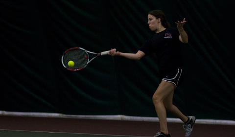 Women's Tennis Defeats Whitworth 8-1