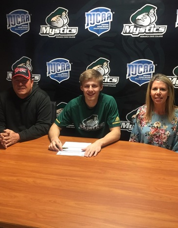Trapper Jacobs Signs Letter of Intent to Play Basketball for the Mystics