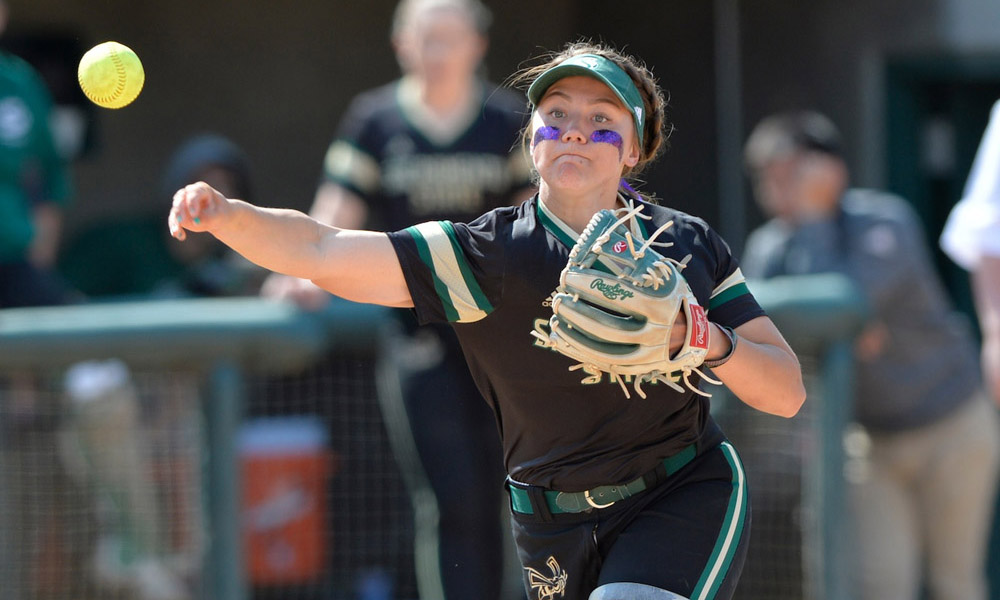 RECORDS FALL IN SOFTBALL'S DOUBLEHEADER SPLIT AT NORTH DAKOTA