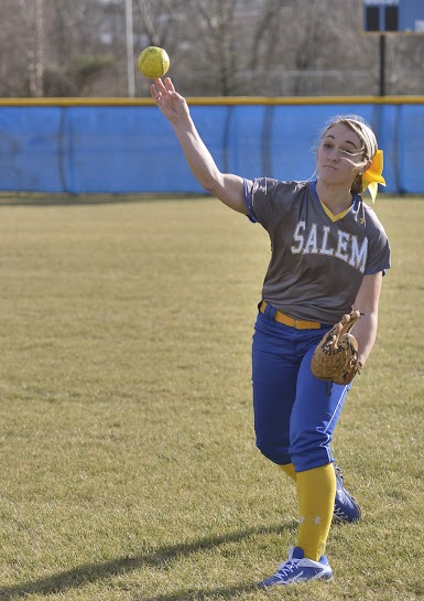 Softball falls twice to New Paltz St.
