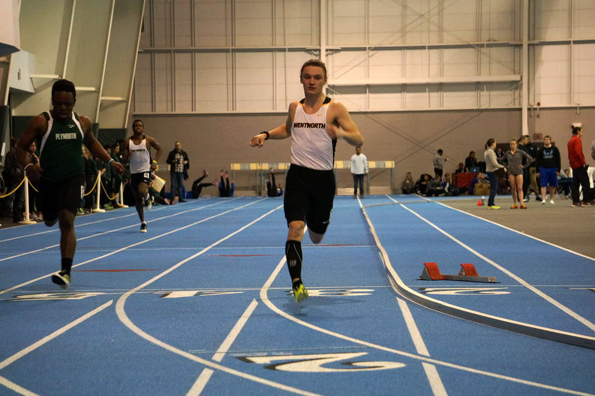 McSolla Wins Mile to Help Kick Off Indoor Track's Season