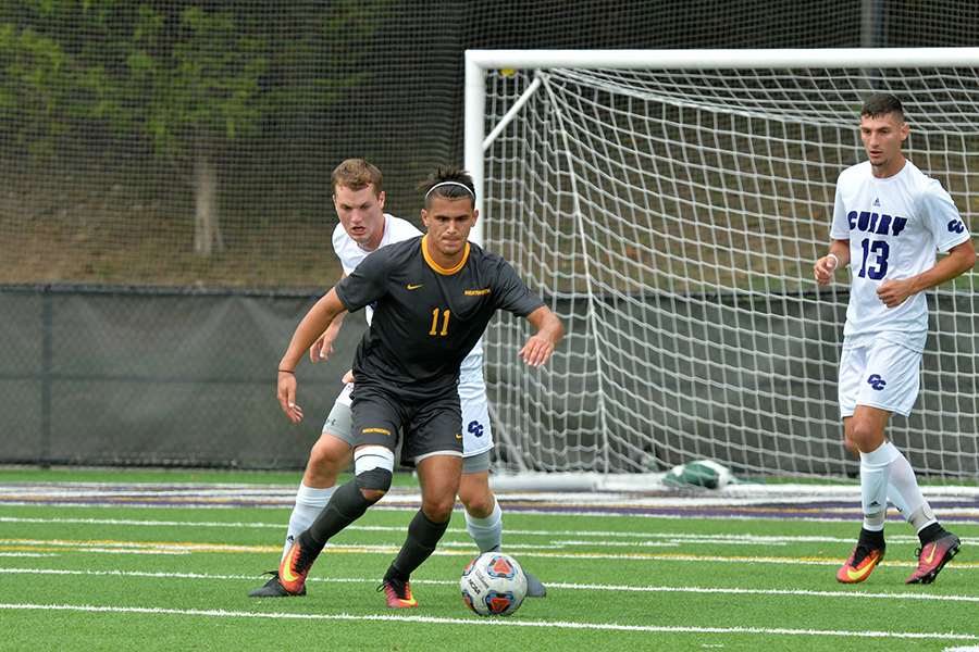 Martins' Late Goal Lifts Men's Soccer Past UNE