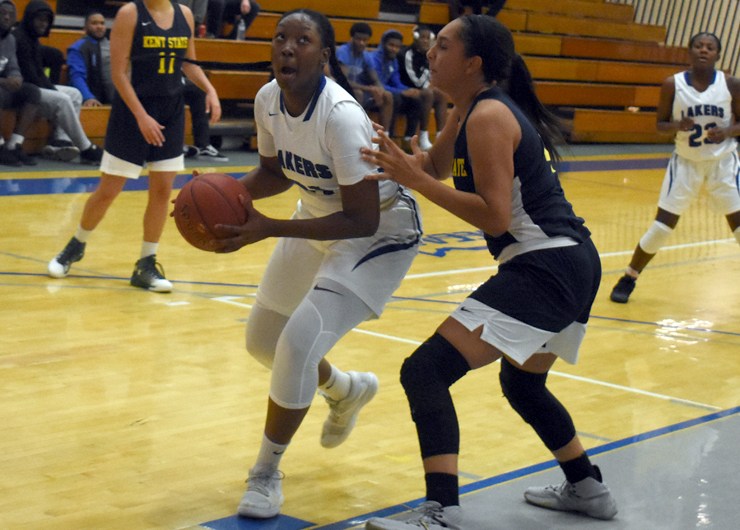 Big fourth quarter helps Lakeland past Oakland, 72-57