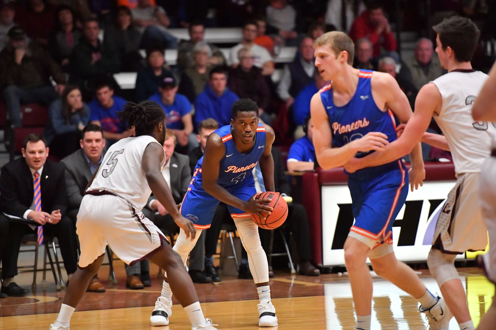 Pioneers Advance to WIAC Championship Game