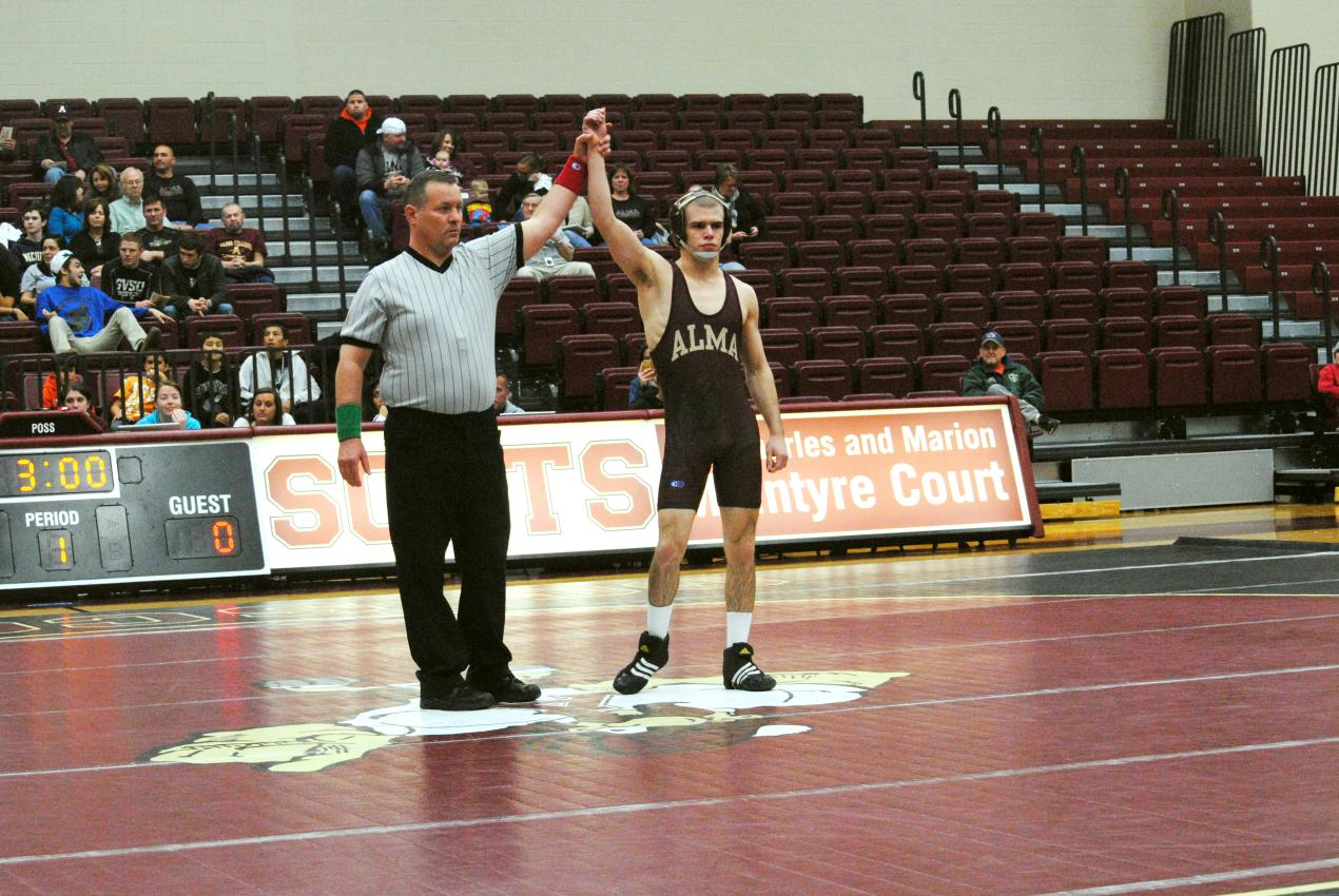 Wrestling defeats Niagara County Community College 30-12 and Triton College 54-0 on Friday