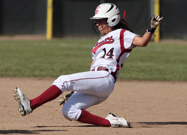 Santa Clara Softball Wins PCSC Opener, 4-3 Over CSUB