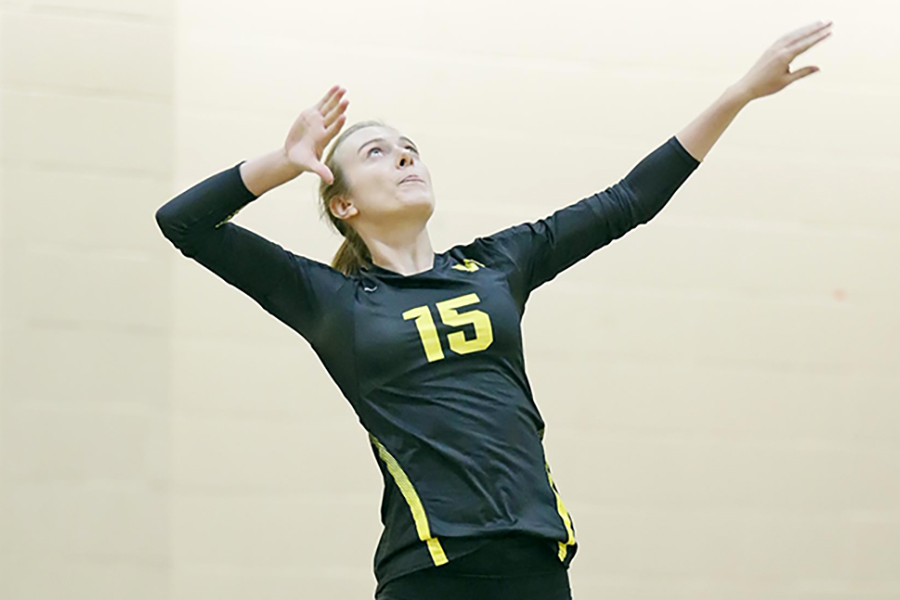 Women's Volleyball Leaps Past Suffolk
