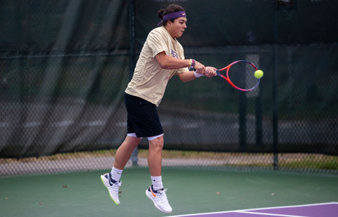 Men's Tennis Falls to Roberts Wesleyan, 5-2