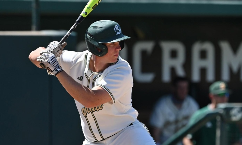 SMITH MATCHES ALL-TIME HITS RECORD AS BASEBALL SPLITS SATURDAY DOUBLEHEADER