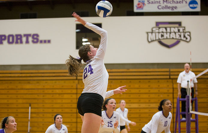 Women's volleyball overcomes two-set deficit to knock off Saint Anselm, 3-2