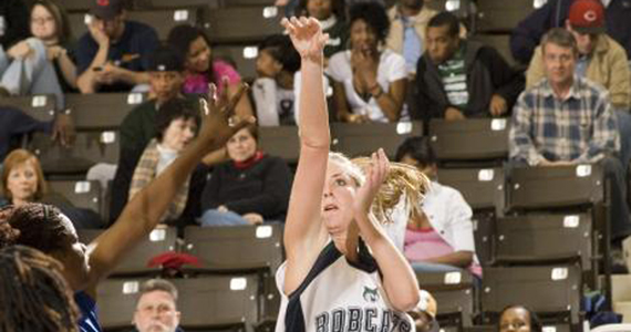 Bobcat Women Lose Homecoming Heartbreaker, 72-69