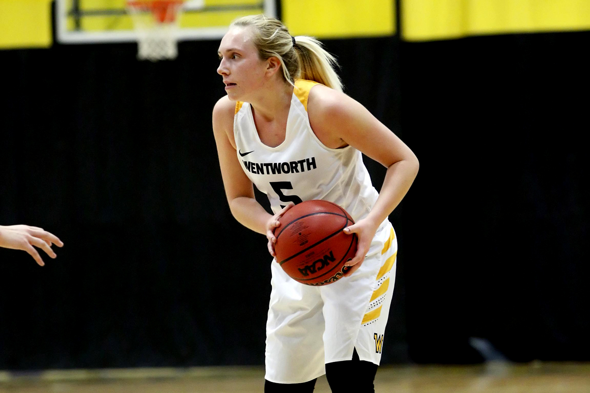 Hawks Soar Over Women's Basketball