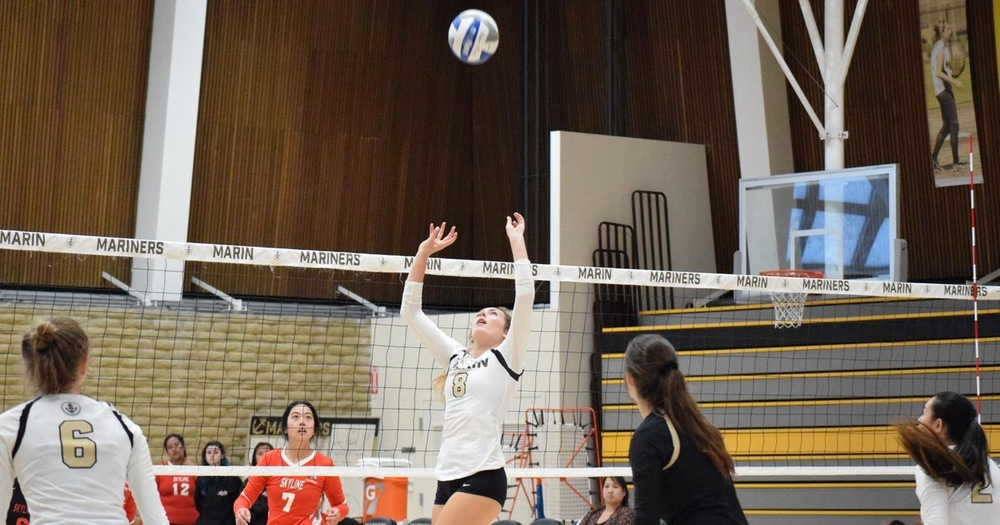 Mariners Volleyball on Wrong Side of Epic Four Set Match With CRC Hawks