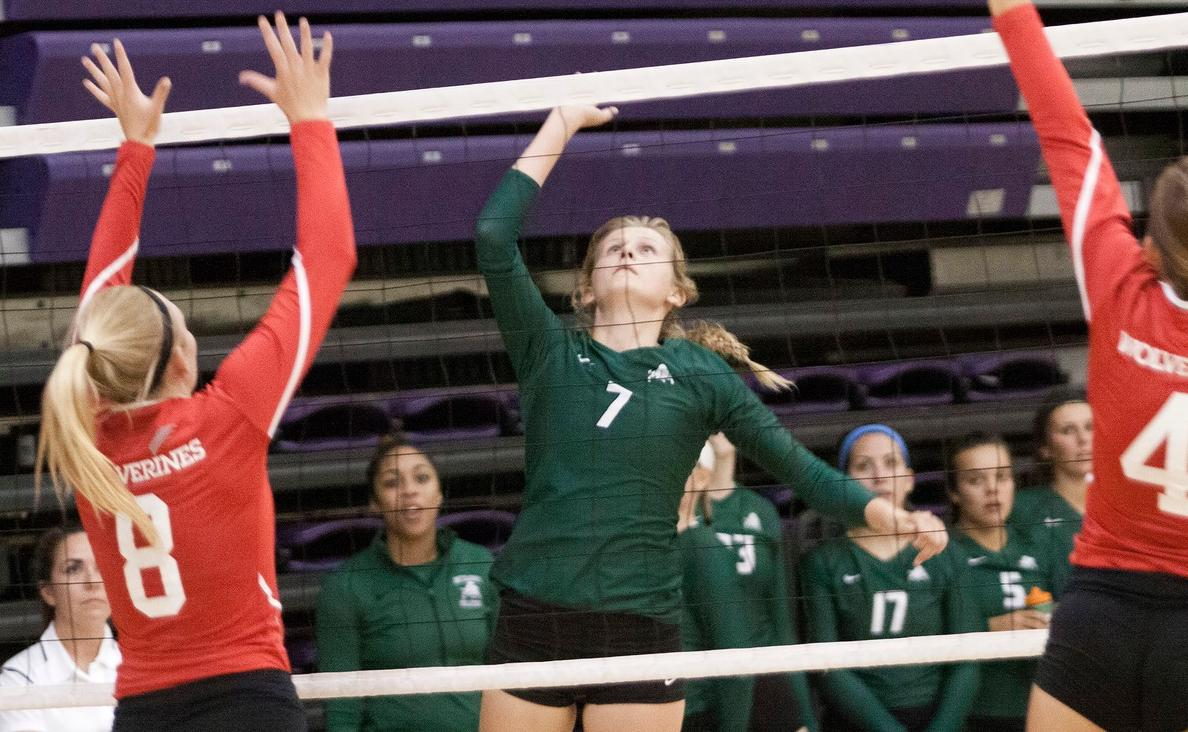 Volleyball splits on final day of Battlefield Classic