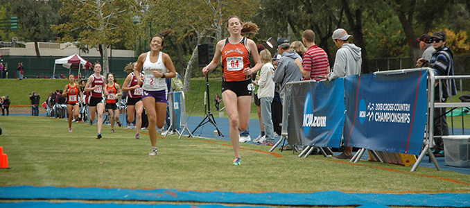 Throgmorton Qualifies for Cross Country National Championships