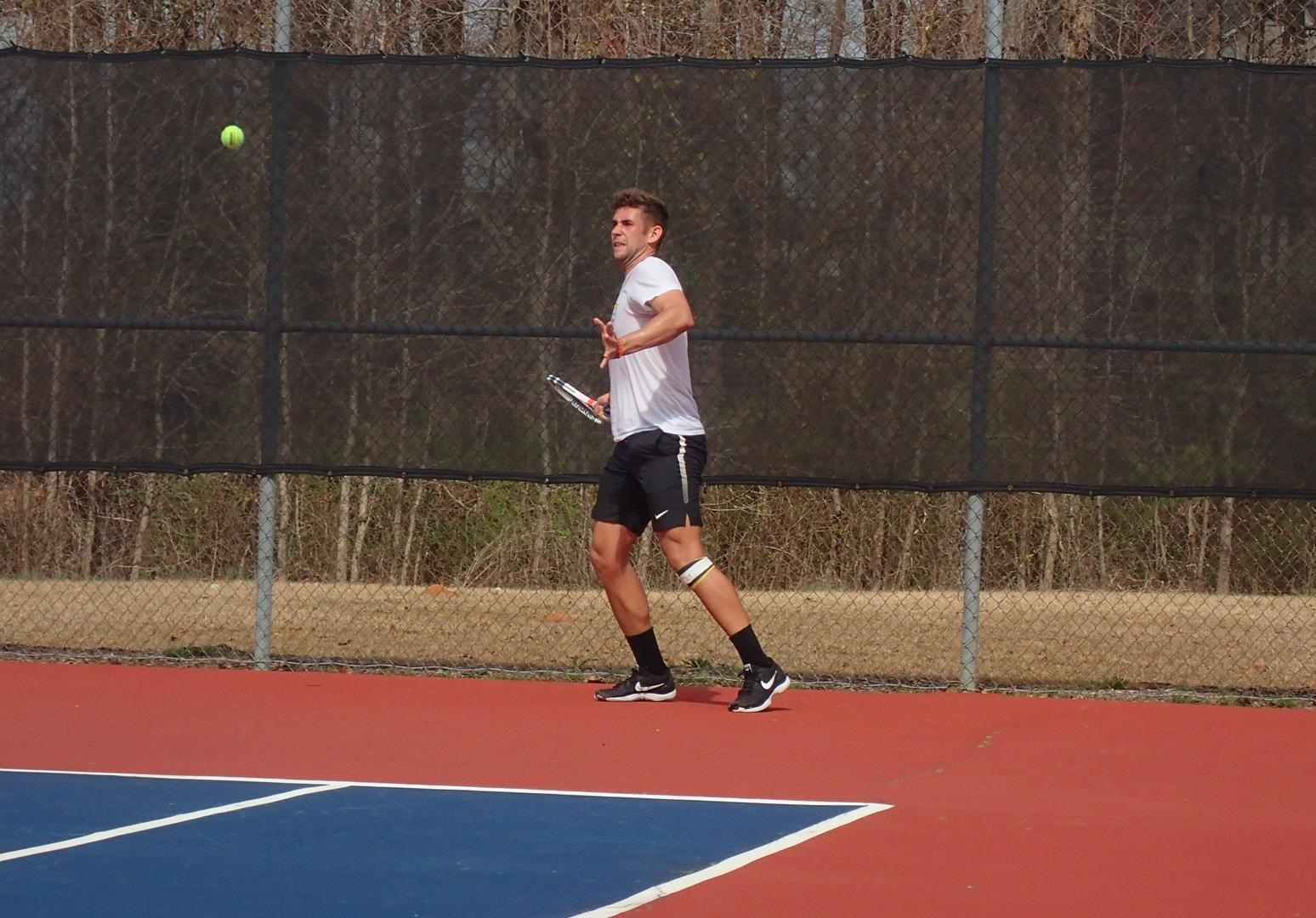EC Lions Tennis earns Conference Win over Warriors!
