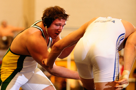 Glotfelty wins at heavyweight to lead McDaniel at Citrus Invitational