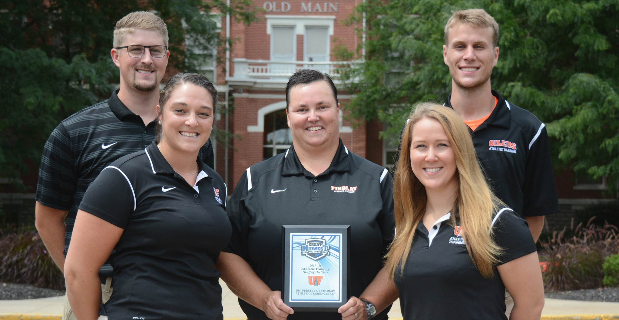 Oilers Receive Athletic Training Staff of the Year Award