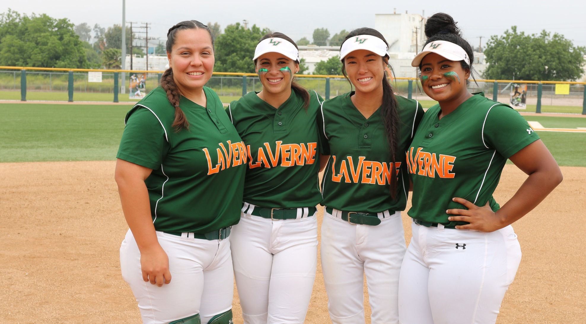 Seniors lead Softball to win over Sagehens