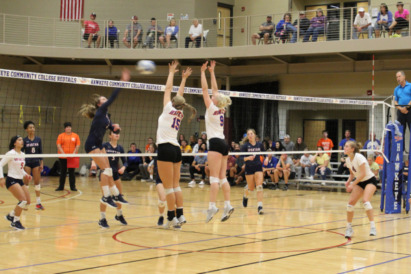 RedTail Volleyball Sweeps Southwestern Community College