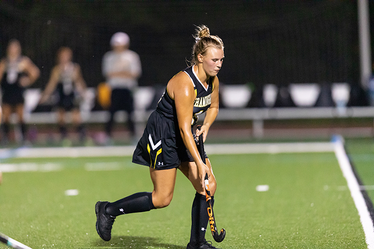 Field Hockey Falls to Conference Leader Worcester State 5-1