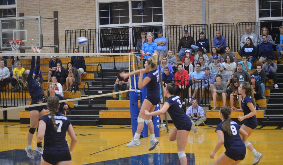 Westminster Volleyball Sweeps MacMurray