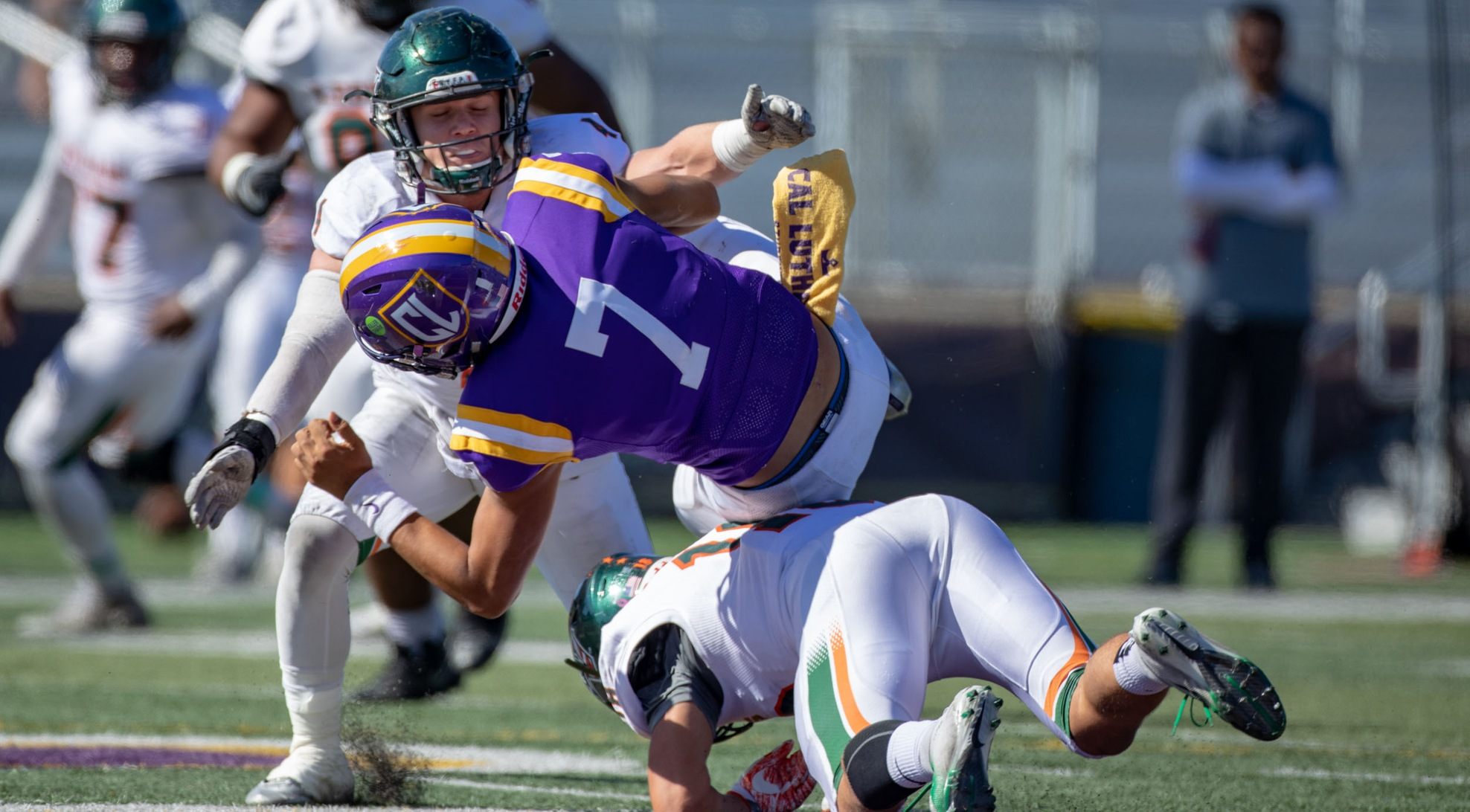 Football takes down Cal Lutheran on the road