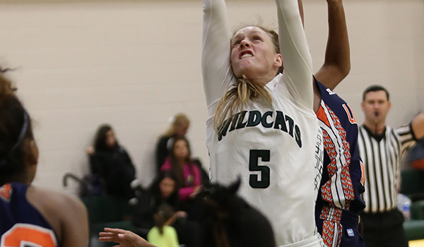 Carr Secures Double-Double For Wilmington But Tigers Break Away for 93-70 Women's Basketball Victory