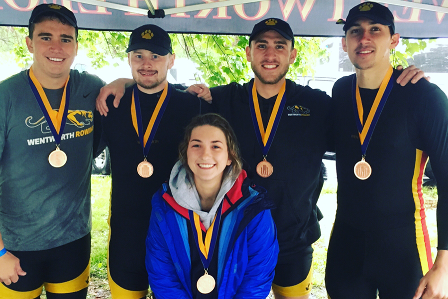 Second Varsity Four Earns Medal at Dad Vail Regatta