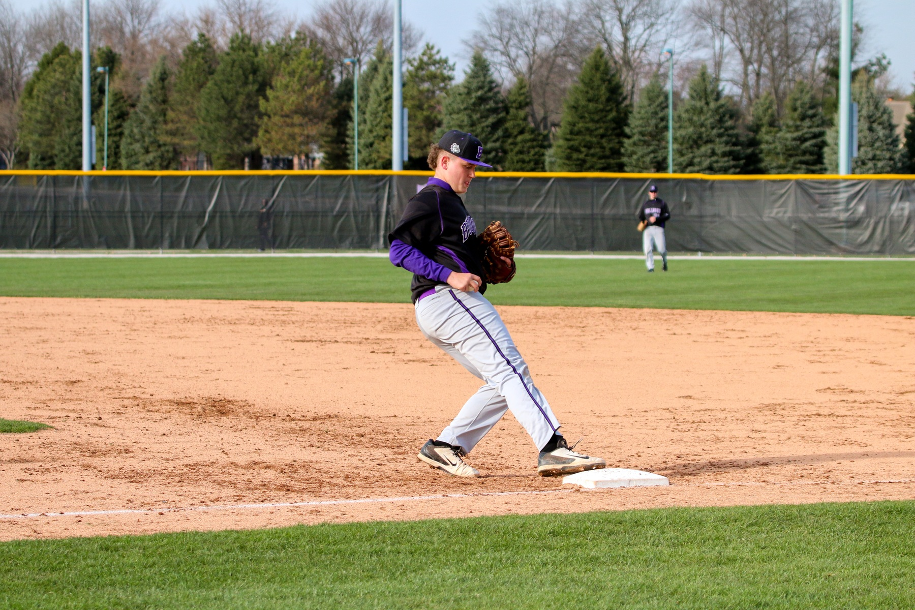 Baseball Falls to the Flashes