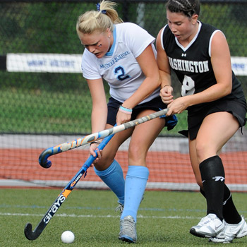Robertson and Slysz Push Field Hockey  to 2-1 Victory Over WPI