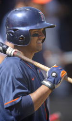 Colon's Homer Lifts Titans to 2-1 Win and Sweep