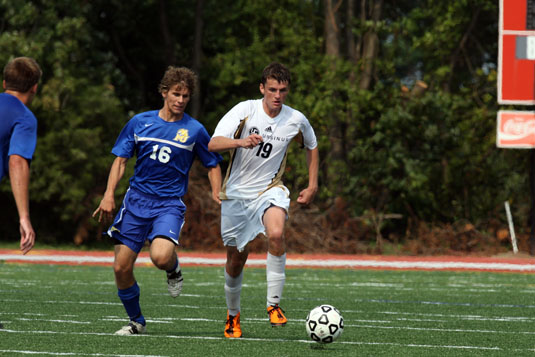 Men's Soccer downed by Haverford, 1-0