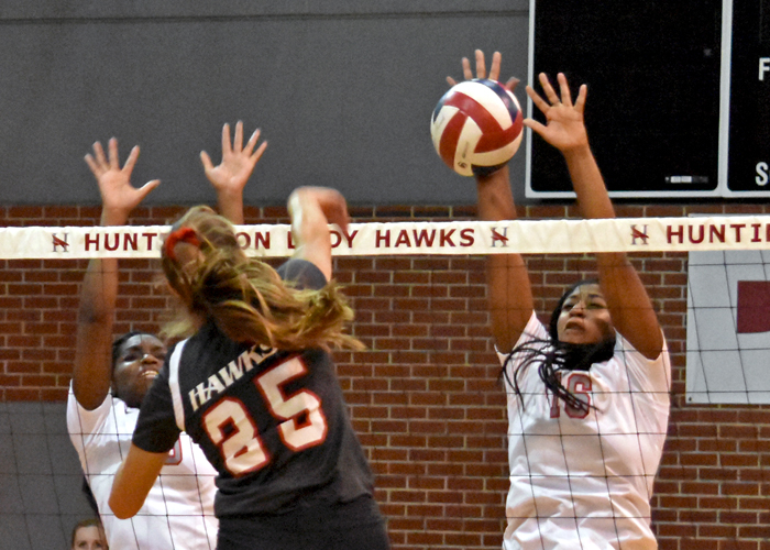 Huntingdon volleyball opens season in Rhodes Invitational