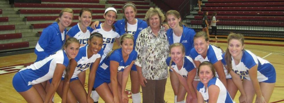 The Gauchos celebrate Kathy Gregory's milestone 850th win. (Photo by Dan Ahiers)