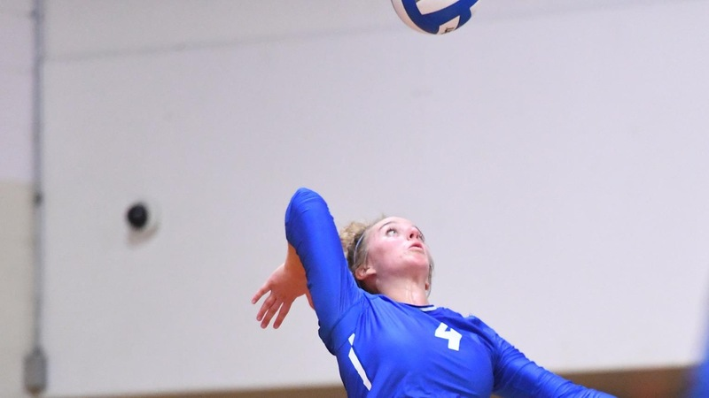Volleyball Falls to Sacred Heart in Four Sets