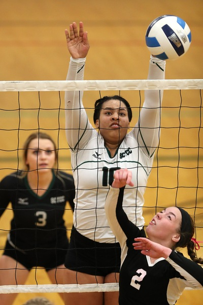 MCAC Volleyball Week 10 Player-of-the-Week Honors