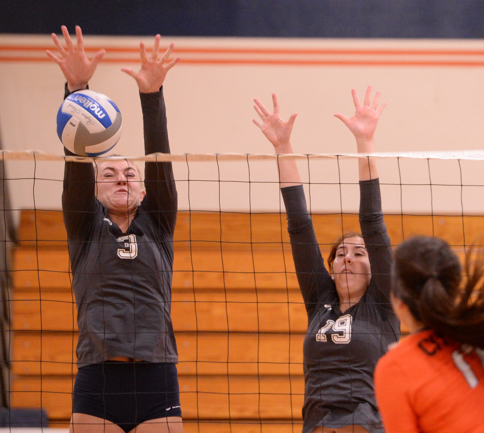 Pirates continue winning ways with four-set triumph over Santa Ana