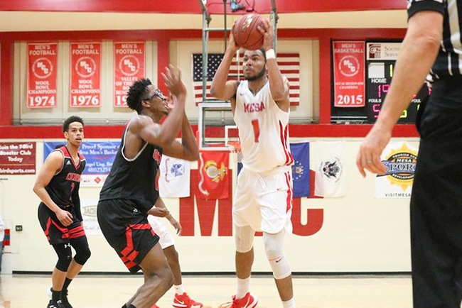 Rajhan Billingsley scored 14 points on the night as Mesa defeated the Cochise Apaches, 78-66. (Photo by Edward Willikens)