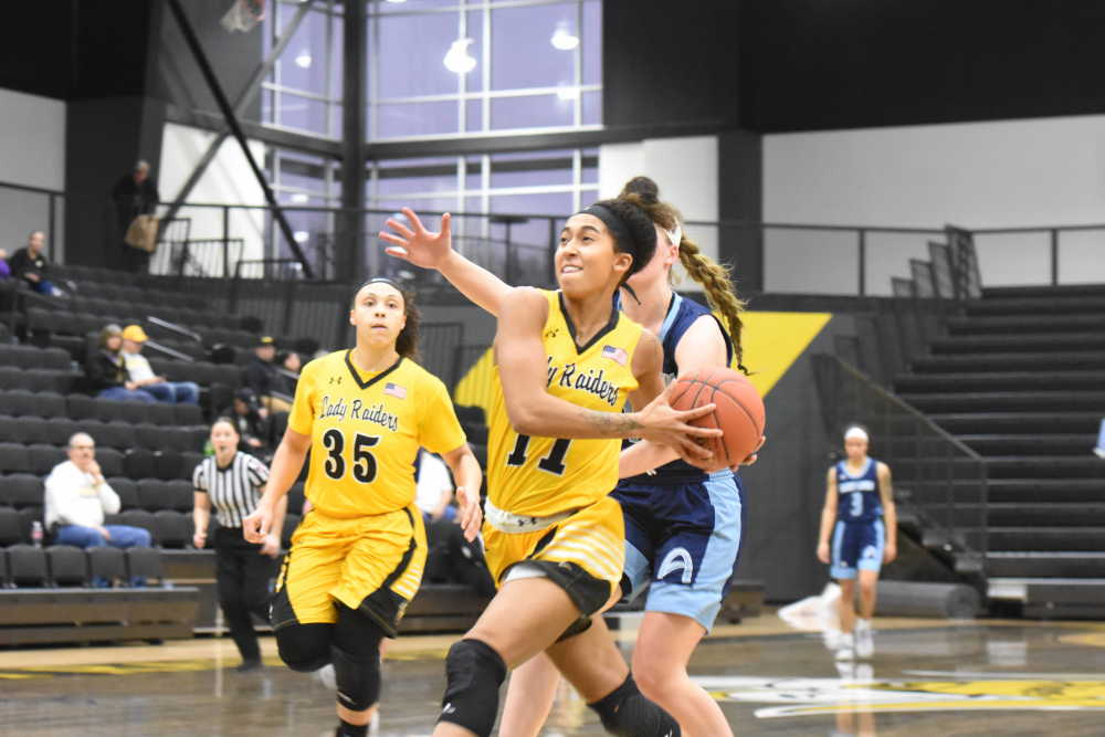 Lady Raiders roll after cold start against St. Louis CC