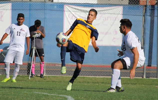 Pizzaro Leads Chargers Past Mustangs, 3-1