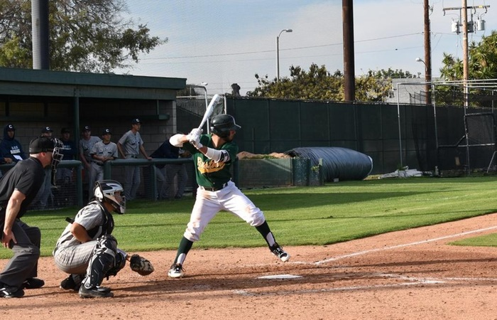 Rustler Offense Erupts for 15 hits in 7-2 Win